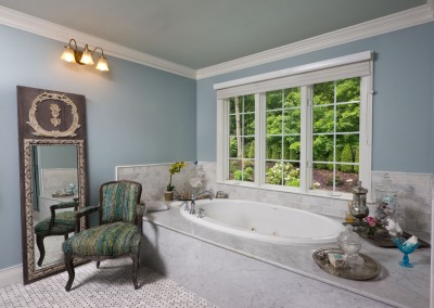 Jacuzzi Tub Surround